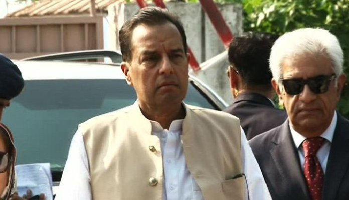 Safdar appears before KP NAB in assets case