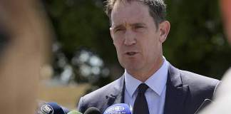 Cricket Australia chief Sutherland to stand down