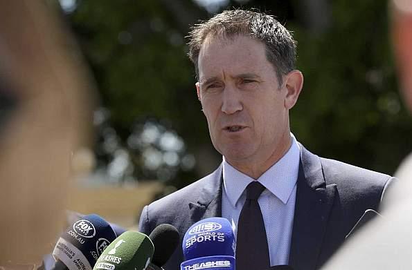 Cricket Australia chief Sutherland to stand down