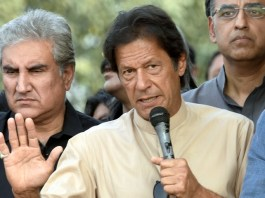 Controversial tickets issue: Imran Khan meets with protestors
