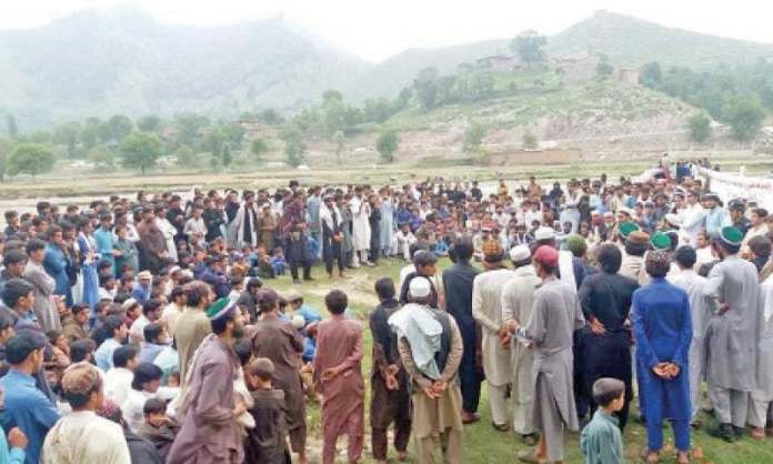 Political heavyweights accelerate door-to-door campaign in Khyber