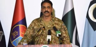 "Pak Armed forces fully prepared to respond to any aggression: ISPR RAWALPINDI: Director General Inter Services Public Relations Major General Asif Ghafoor on Saturday said that Pakistan is ready to respond to any external aggression. Moments after Times of India reported inflammatory statements by Indian Army Chief General Bipin Rawat on Saturday, the Pakistan Army spokesperson responded by saying: ""We are ready for war but choose to walk the path of peace in the interest of the people of Pakistan, the neighbours and the region"". According to TOI, the Indian army chief said India ""needs to take stern action to avenge the barbarism that the terrorists and Pakistan Army have been carrying out"". ""Yes, it's time to give it back to them in the same coin, not resorting to similar kind of barbarism. But I think the other side must also feel the same pain,"" the Indian army chief was quoted as saying. Gen Rawat's comments came shortly after Prime Minister Imran Khan took to Twitter earlier on Saturday to respond to India's cancellation of the meeting between the Pakistani and Indian foreign ministers on the sidelines of the United Nations General Assembly (UNGA), calling New Delhi's reaction ""arrogant and negative"". ""All my life I have come across small men occupying big offices who do not have the vision to see the larger picture,"" added PM Khan. Responding to Gen Rawat's statements, Asif Ghafoor said Pakistan has a long-standing record of fighting terrorism, adding ""we know the price [that is paid] for peace"". ""We have struggled to achieve peace in the last two decades. We can never do anything to disgrace any soldier,"" he asserted, strongly denying the claims made by India that hold the Pakistan Army responsible for the killing of a Border Security Force (BSF) soldier. ""They have in the past as well laid the blame on us for mutilating the body of a fallen soldier. We are a professional army. We never engage in such acts. ""As far as the issuance of postal tickets is concerned, the UN released a human rights violation report following which the then interim government issued those tickets highlighting the plight of Kashmiris. ""To turn this into an excuse that the peace process has been tainted or that Pakistan has somehow changed its stance, is inappropriate,"" the ISPR chief said. ""There is a freedom struggle going on in the Indian occupied Kashmir, and Burhan Wani onwards, it is completely a political movement,"" Ghafoor said, adding that the struggle for independence has become a part of the DNA of Kashmiris and this is now the third generation which is willing to sacrifice their lives for the cause. ""They [India] should come forward for a dialogue. Whenever attempts for dialogue have failed, it is because India has run away from the table. ""The government of Pakistan's offer still stands for India to come forward and hold talks with us,"" the ISPR chief said."