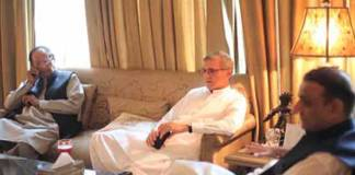 PTI in contact with several PML-N MNAs to vote for Imran Khan: Tareen