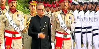 President Dr. Arif Alvi receives welcoming Guard of Honor at Aiwan-e-Sadr