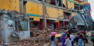 Death toll in Indonesia quake-tsunami tops 800