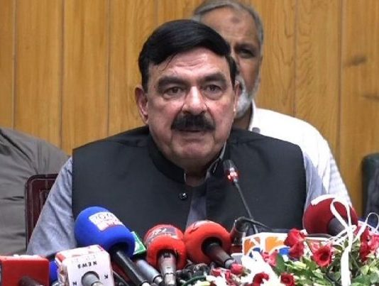 Sheikh Rasheed hints at possible deal with JUI-F to call off Azadi March