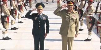 Azerbaijan general calls on COAS Gen Bajwa