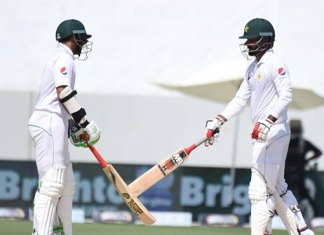 Pakistan progress to 329-4 in first Test against Australia