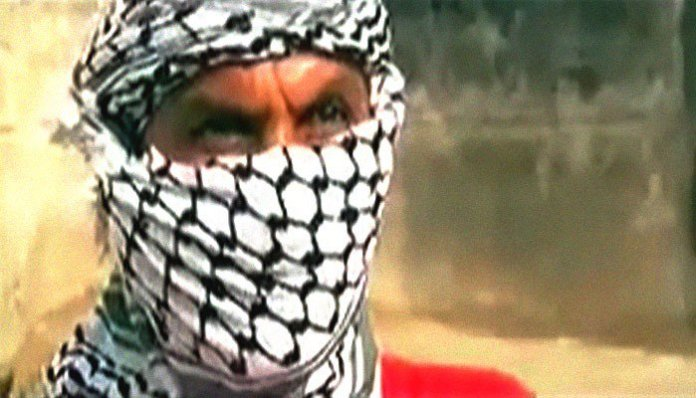 Notorious Lyari gang war leader, accomplice killed in Karachi shootout