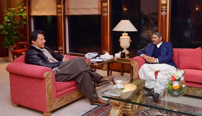 PM Imran, Ali Gohar Mahar discuss political situation in Sindh