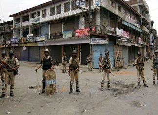 Kashmiris face continued lock down in Indian Occupied Jammu and Kashmir
