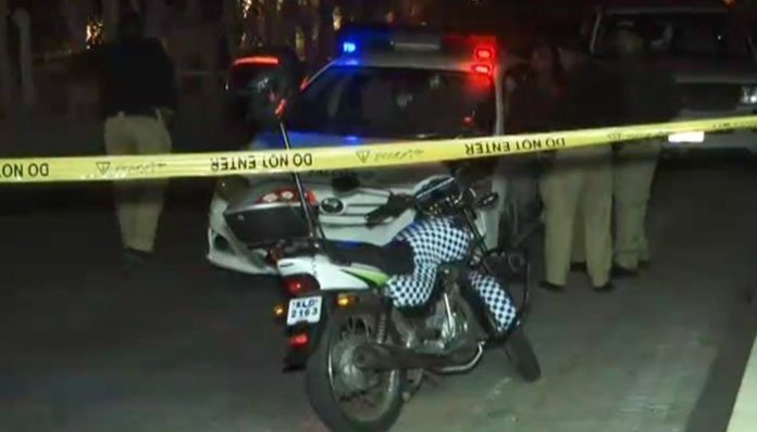 Policeman among two killed in Karachi firing incident
