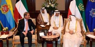 Emir of Kuwait assures resolving issues of Pakistani community
