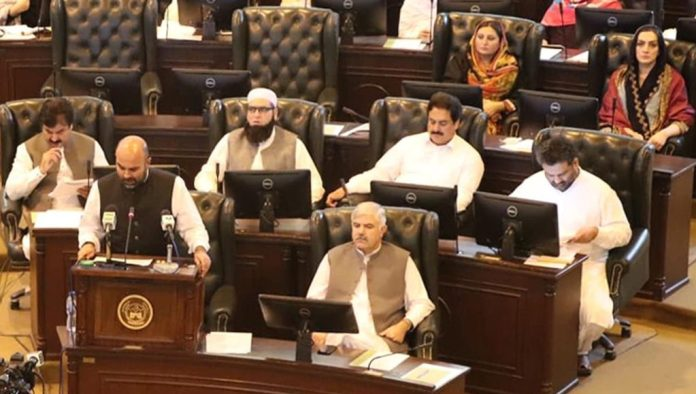 KP govt to present Rs800 billion budget on Tuesday