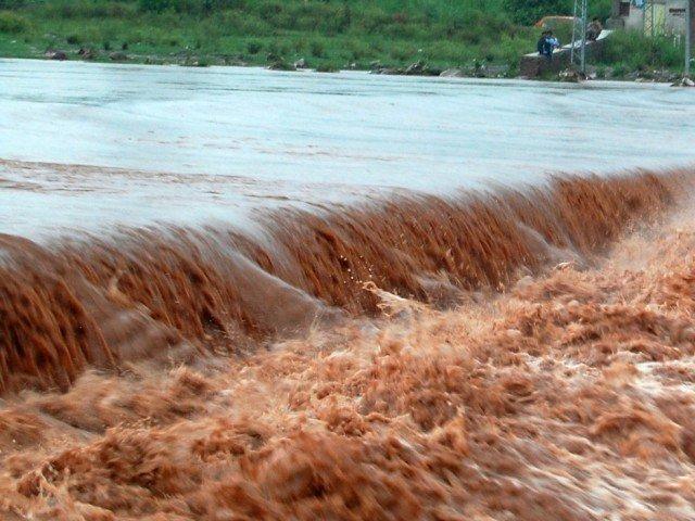 Army helping civil administration in Neelum's flood-hit areas: ISPR