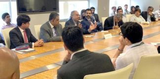 Pakistan's economic team meet IMF MD, WB officials in Washington