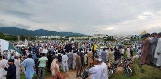 Pakistan observes 'Kashmir Hour' as nation comes out