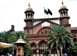 LHC orders protesting doctors, paramedics to end strike
