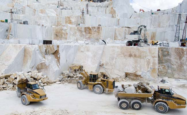 KP Govt to issue mining licenses in tribal districts from Jan 6