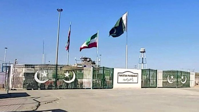 Trade activities resume at Pak-Iran border amid coronavirus fears