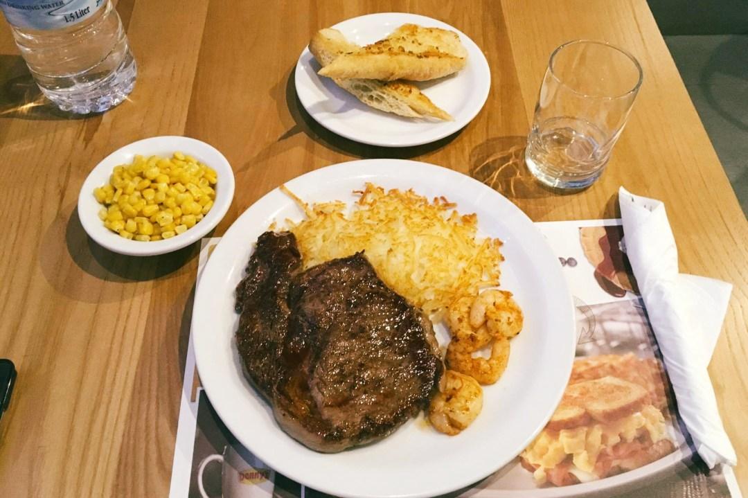 Denny's Restaurant American Diner Al Ghurair Mall