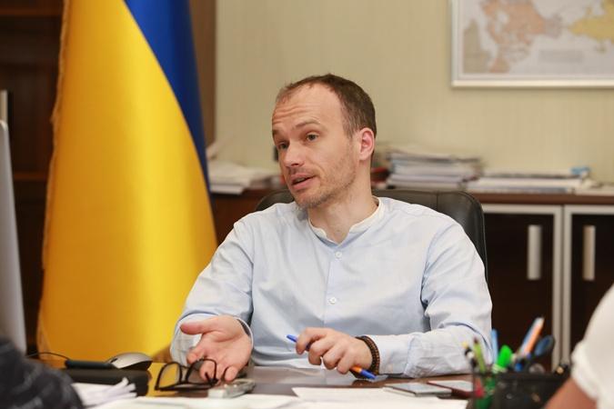 Денис Малюська: насправді я зануда і ботан