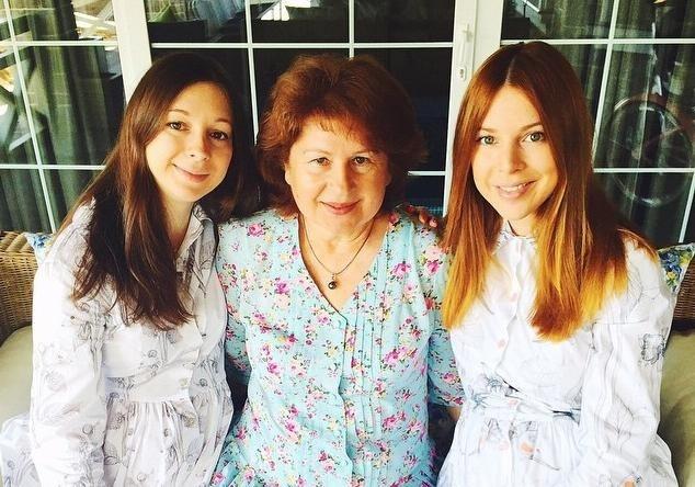 Сестра-близнец Натальи Подольской родила двойню                       Нина Антоновна Подольская стала счастливой бабушкой