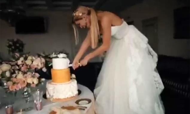 Вера Брежнева показала свадебное платье Вера опубликовала забавное свадебное