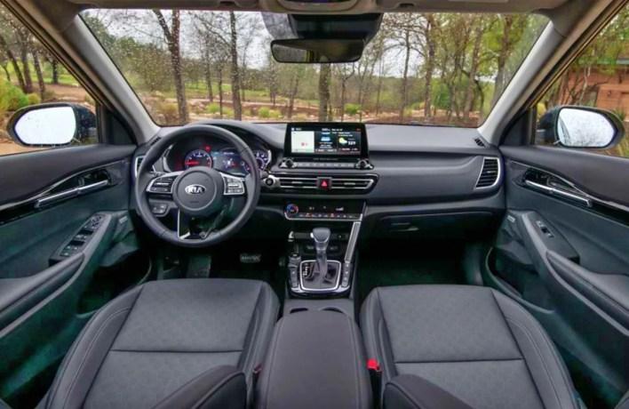 2022 KIA Seltos SX Turbo Interior