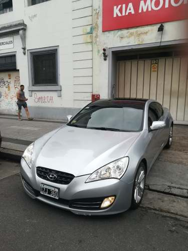 Hyundai Genesis Coupe 2.0 Turbo