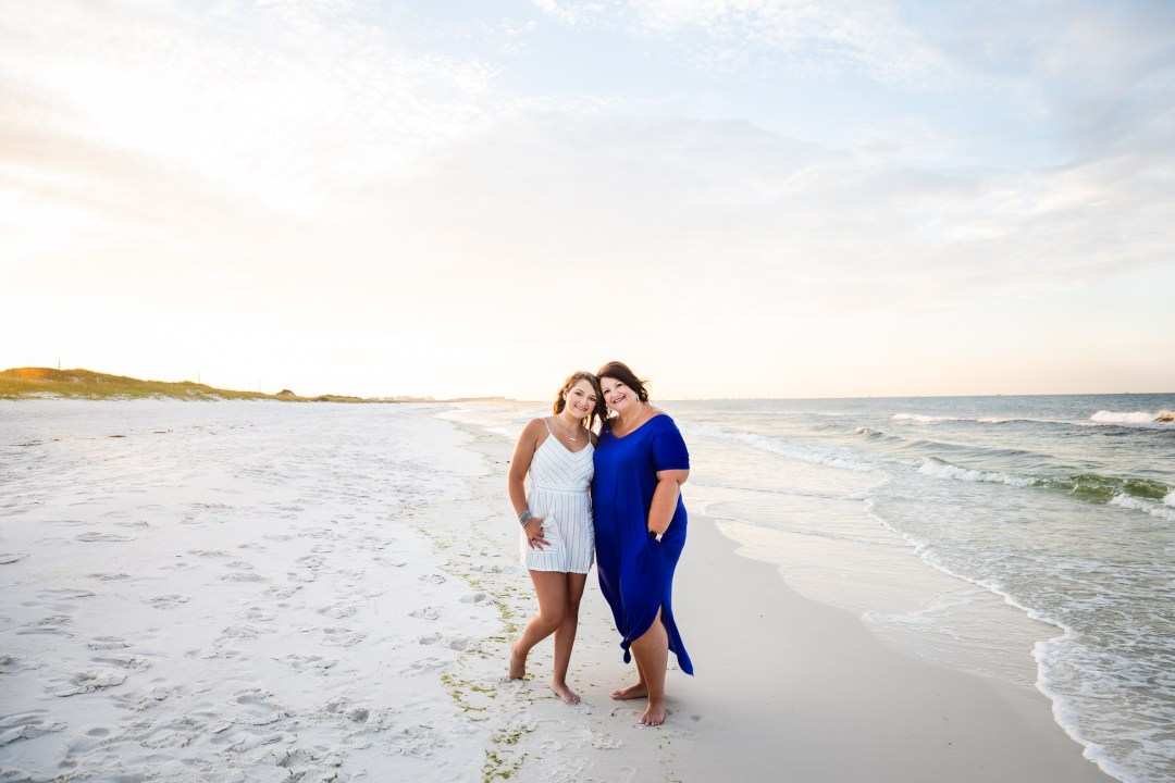 mom and daughter photo on the beach in Destin