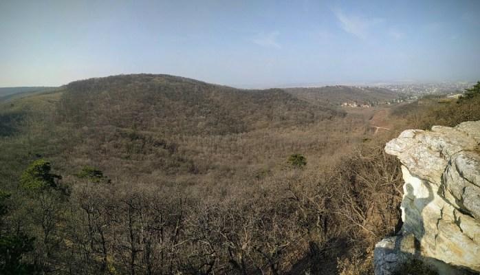 Kilátás a Kő-orról a Biai-hegyekben