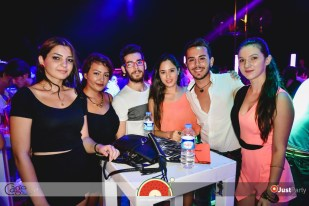 Cage Club - White Swan - 013