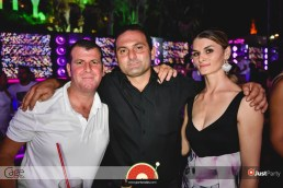 Cage Club - White Swan - 064