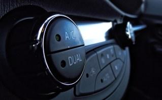 Toyota Yaris XP13 1.5 VVT-i Hybrid Interieur Detail
