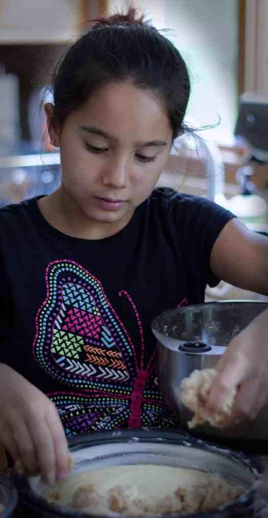 Easy Double Crumb Crumb Cake | kickassbaker.com #crumbcake #doublecrumb #easyrecipes #cinnamon #coffeecake #crumbtopping #cake #cakerecipes #bestrecipes #kickassbaker #momblog #allergyfriendly #nutfree #nutfreerecipes #nopeanuts #peanutfree
