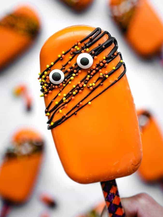 Halloween cakesicle with googly eyes