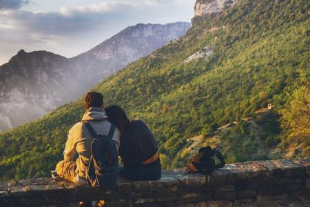 When do backpackers settle?