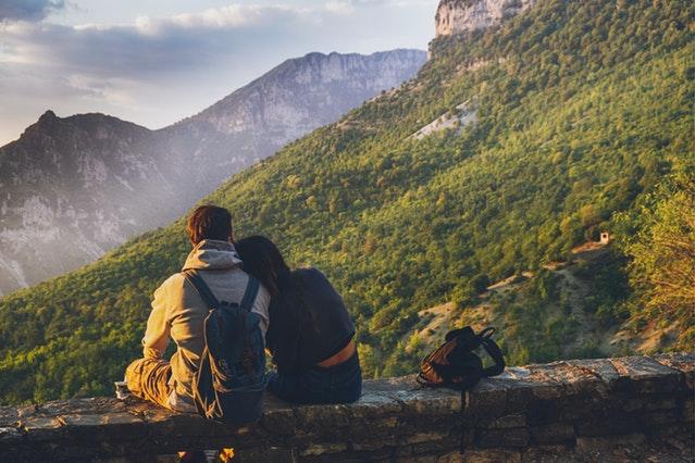 When do backpackers settle?