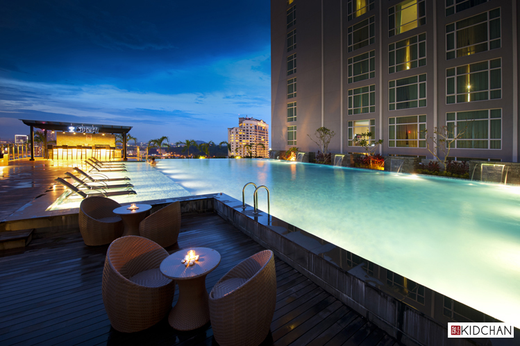 Sky bar at Hatten Hotel, Malacca