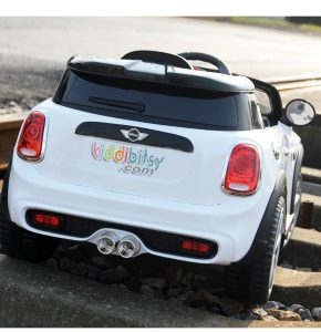 Mobil aki Mini Cooper S Lisensi