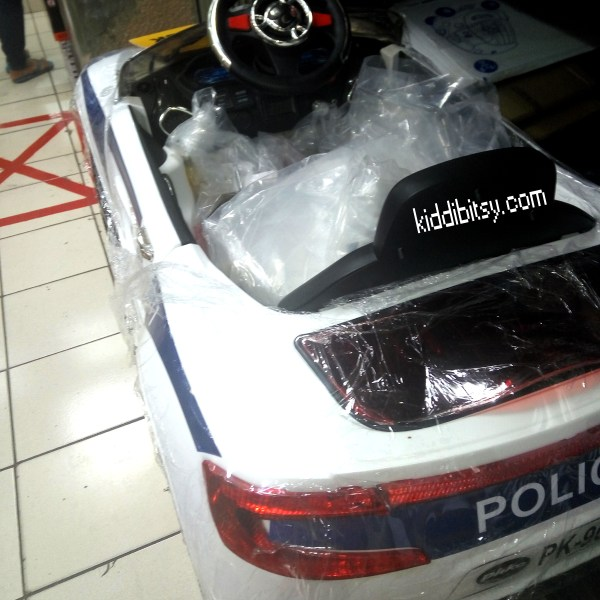 Pliko PK9628N Aston Marten putih-mobil-aki-polisi-2