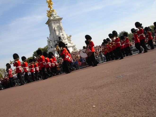 Changing the Guards at Buckingham Palace, exit