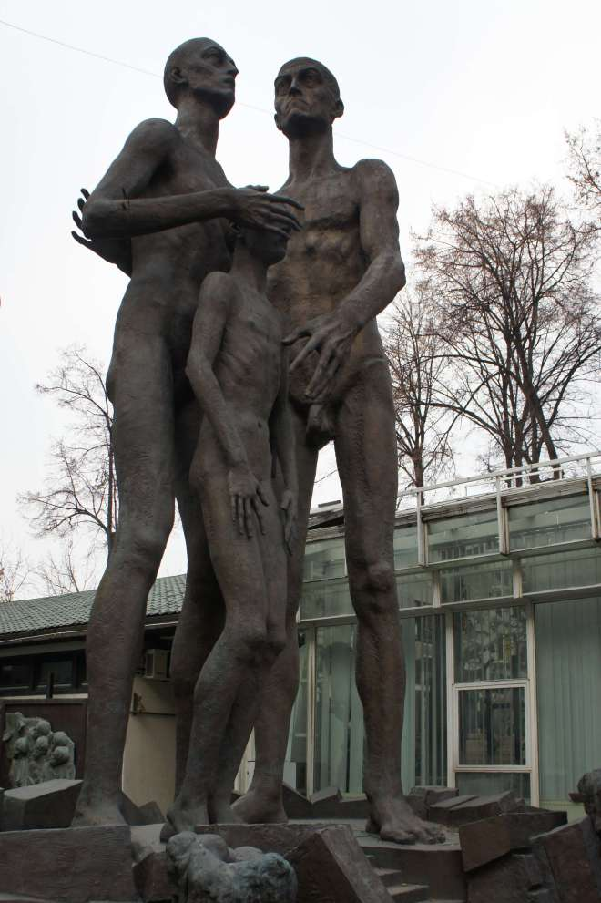 Holocaust memorial Victory Park Zurab Tsereteli Studio Museum Moscow