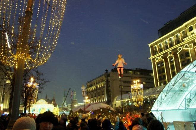 Acrobats on Tverskaya Street for the Moscow New Year Festival