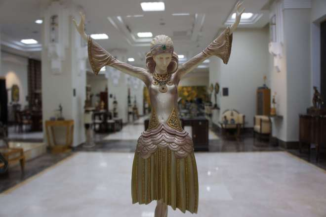 The Moscow Art Deco Museum is  a large room filled with furniture and figurines as well as some artwork from the Art Deco period.
