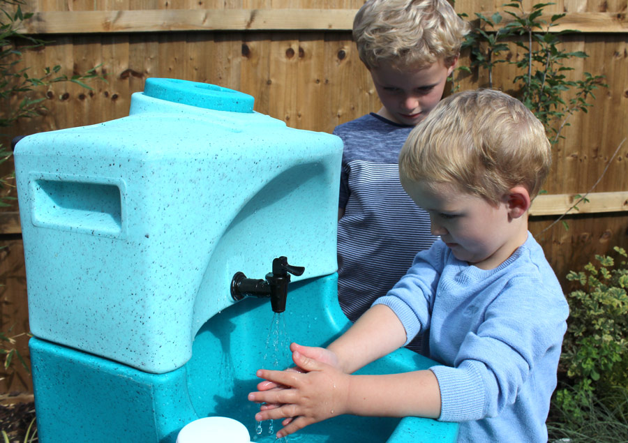 Children should wash hands with soap and water say PHE