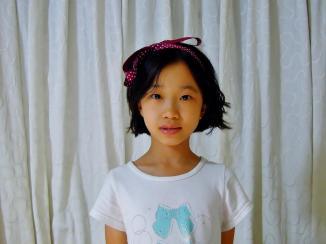 現在的 Ann 具有更貼近淘氣形象的髮型~(她自己用緞帶在頭上綁了個蝴蝶結~ ^^)