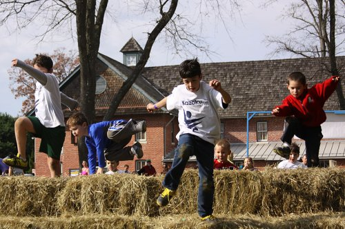 Kids take on the KazokuFit challenge