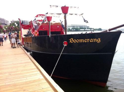 boomerang_ship